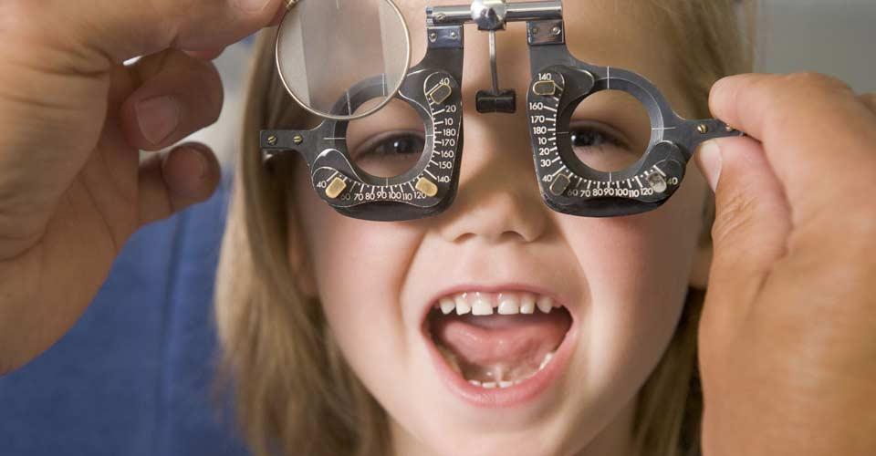 El Consejo General de Colegios de Ópticos-Optometristas recomienda que los escolares revisen su visión al menos una vez al año